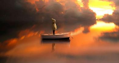 Спокійна вода точніше відображає реальність…